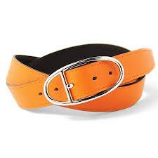脱オタクファッションのオレンジベルト